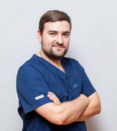 Аганесов Георгий Александрович, пластический хирург, КМН, специализация по ринопластике, Институт Пластической хирургии и косметологии на Ольховке, Москва